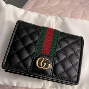 PENDING SALE NO LONGER AVAILABLE Gucci Authentic GG Marmont Quilted Card Case -